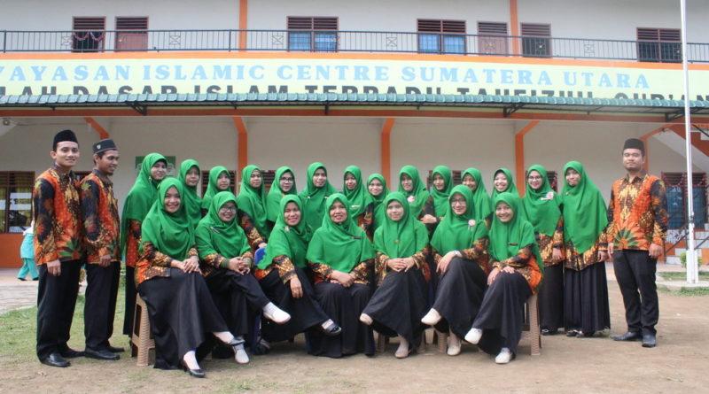 Staf dan Pengajar SDIT Tahfizhul Qur'an Islamic Centre Sumut